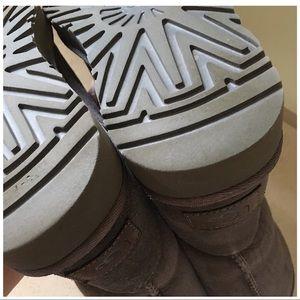 UGG Shoes - UGG SHORT CLASSIC II BOOTS